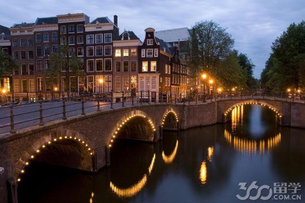 阿姆斯特丹大�W