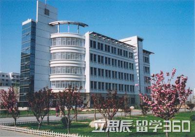瑞士DCT国际酒店管理学院拥有高水准国际化师资