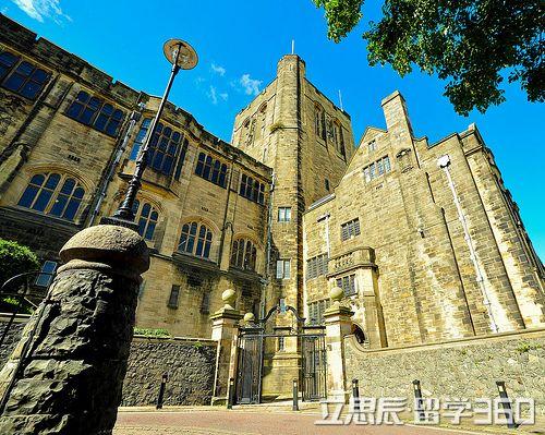 班戈大学 (英语:bangor university,威尔士语:prifysgol bangor)英国