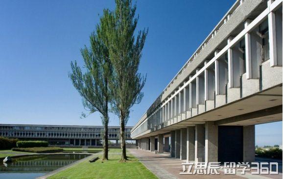 英国留学 萨里大学预科课程入学要求