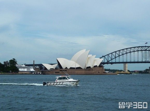 出国澳洲留学费用
