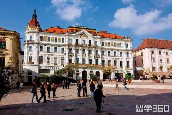 匈牙利自费留学可申请大学须知