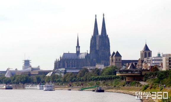 德国萨尔造型艺术学院课程信息介绍