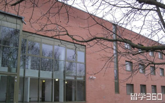 厄特沃什约瑟夫大学