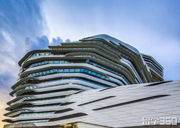 香港留学:港大在奖学金上有优势权