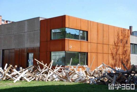 柏林设计艺术大学
