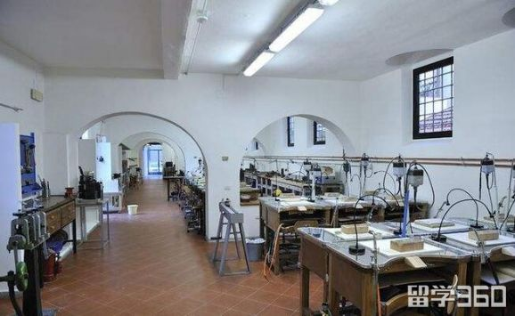 Alchimia珠宝设计学院
