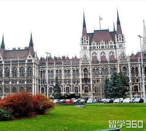 弗罗茨瓦夫工业大学