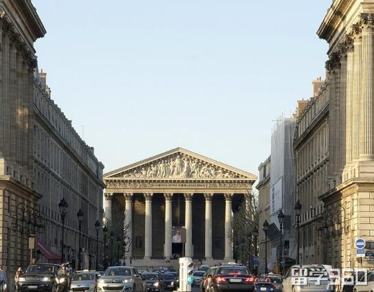 巴黎商学院
