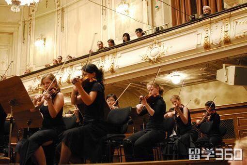 格拉茨音乐与表演艺术大学