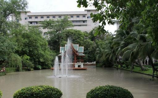 曼谷吞武里大学生活环境分析