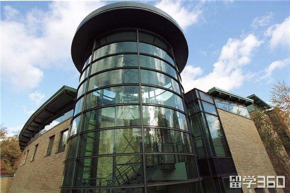 英国金斯顿大学申请条件