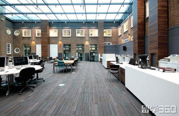 英国金斯顿大学Roehampton Vale校园