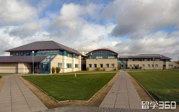 留学爱尔兰:梅努斯大学校长访谈录
