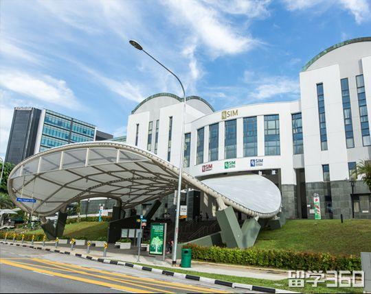 新加坡管理学院(SIM)是新加坡首屈一指的一所专业管理及人力资源培训机构。50余年来,新加坡管理学院为新加坡的人力资源发展做出了极大的贡献。
