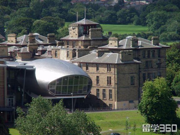 英国爱丁堡龙比亚大学学术实力