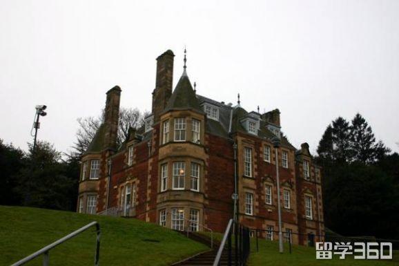 英国爱丁堡龙比亚大学开设课程