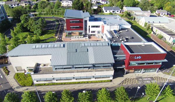 爱尔兰留学:布兰察斯镇理工学院为每位留学生提供免费接机服务