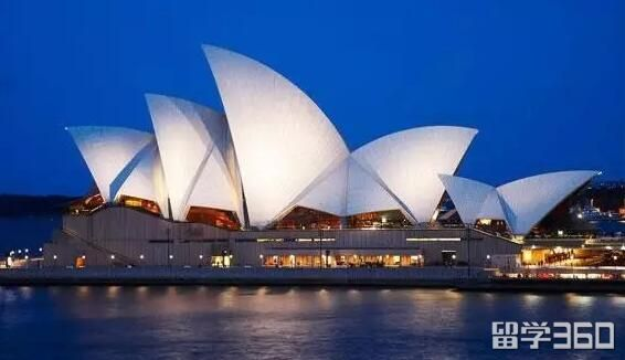 澳洲移民总量飙升27%,多方呼吁削减移民
