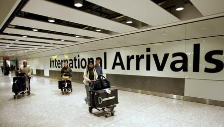 英国入境必须要了解英国伦敦希思罗机场的交通线路!