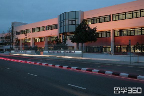 塞浦路斯尼科西亚大学