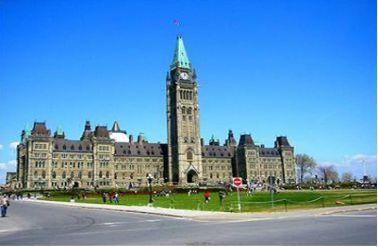 雇主评价最好的加拿大大学TOP榜!现在转学还来得及吗?