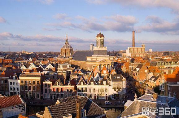 荷兰留学陪读