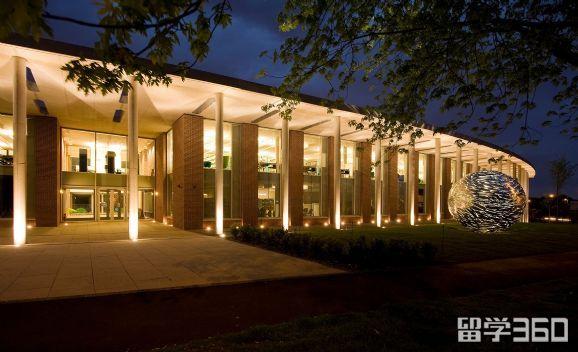 纽曼大学在外面性价比高的租房