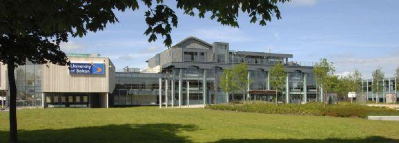英国波尔顿大学