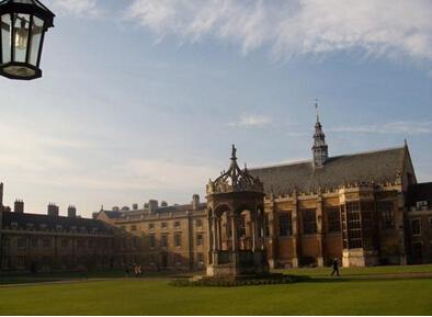 英国留学本科注意怎么选