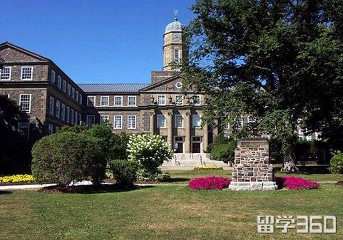 加拿大本科留学语言成绩