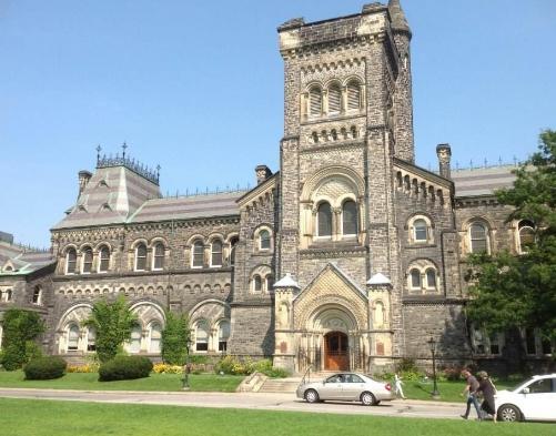 多伦多大学主校区要求