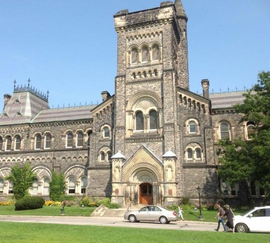 多伦多大学留学费用