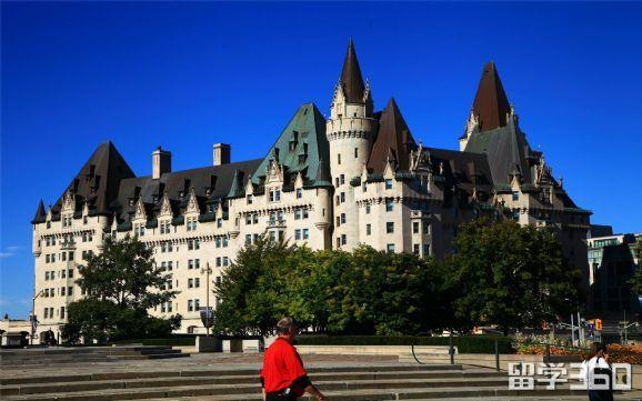加拿大陪读签证拒签