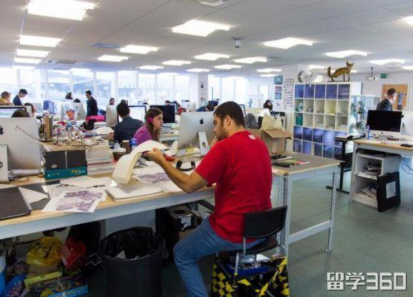 英国名校招生简章――剑桥视觉表演艺术学院