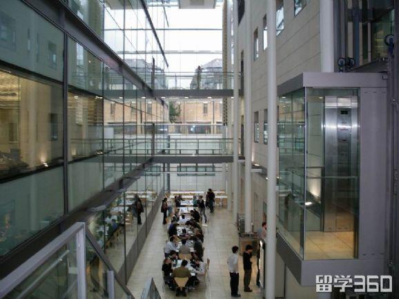 牛津大学三一学院