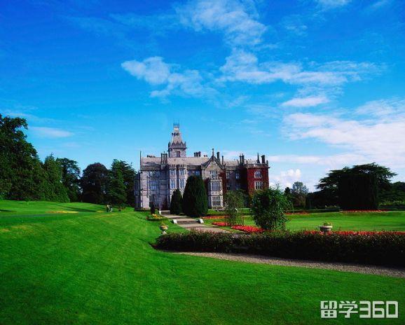 爱尔兰都柏林圣三一大学