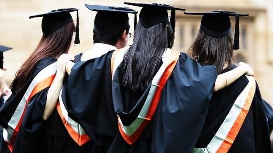 美国大学2018年学费飙升,留学生们都准备好500万了吗?