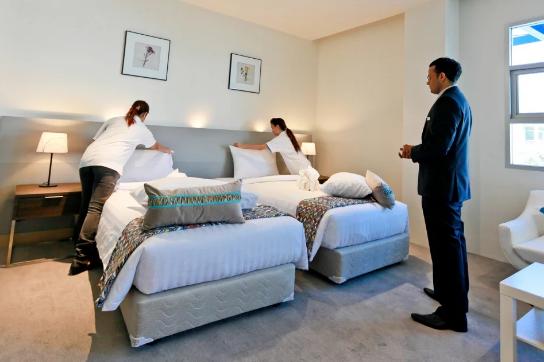 留学必看| 酒店管理学校那么多,为何选择斯坦佛国际大学?