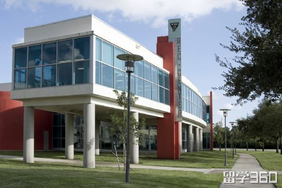 美国佛罗里达国际大学