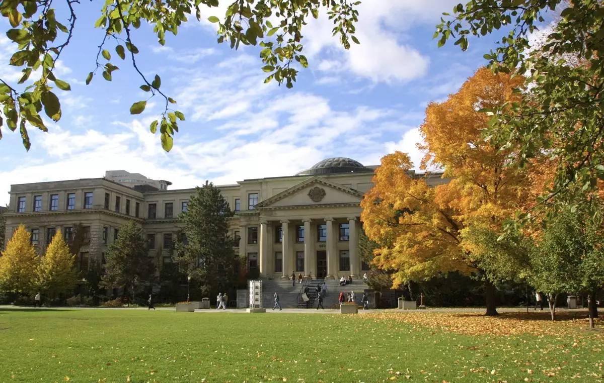条件二,学术要求   申请留学加拿大大学通常需要学生高中成绩至少