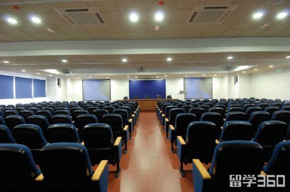 塞浦路斯弗雷德里克大学