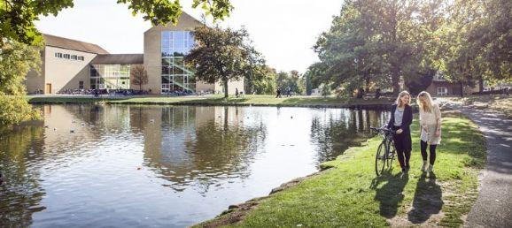 奥胡斯大学商业与社会科学学院了解一下!