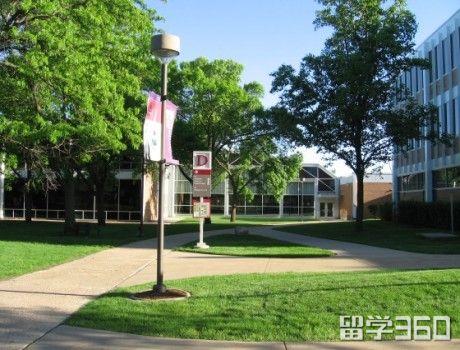 特里顿学院