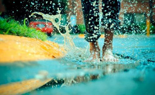 泰国雨季来袭,该穿什么好?做好这些,从此潮湿是路人!