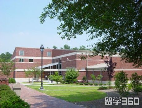 詹姆士斯普朗特社区学院