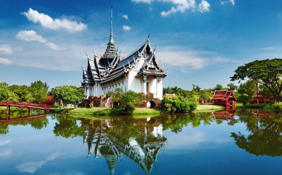 2018年高考后泰国留学费用