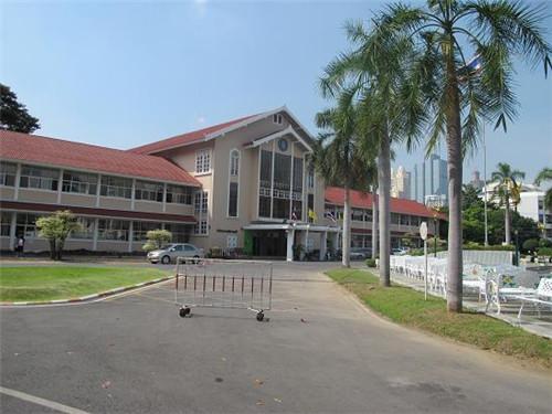 曼谷皇家理工大学入学费用贵吗