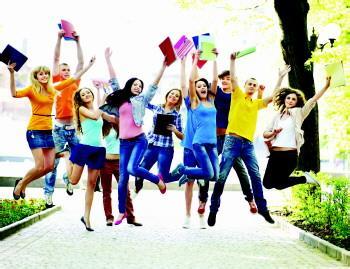 哪些学生更容易获得美国大学奖学金?