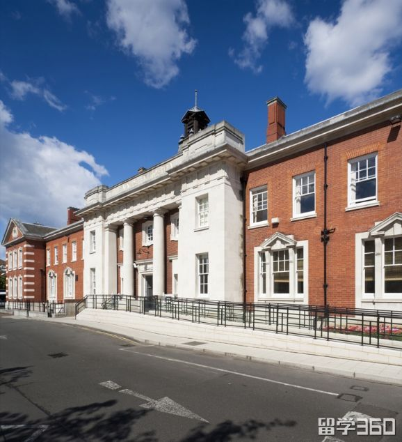 2018年伦敦国王学院本科预科课程仍然接受申请